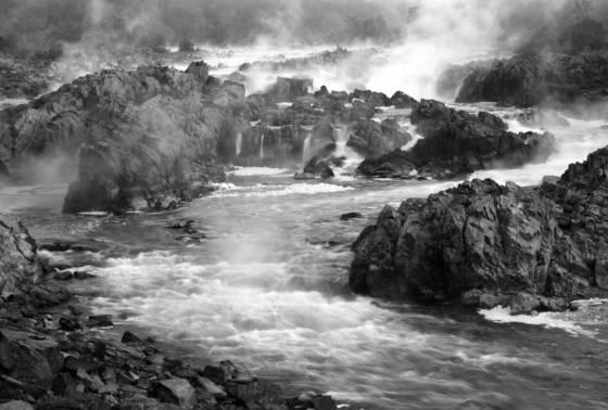 Great_falls_mist