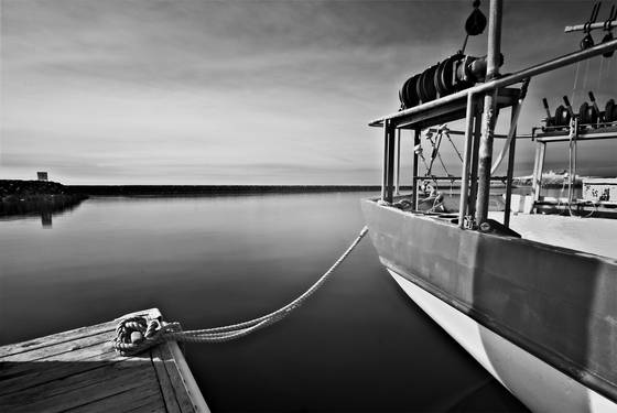 Calm_boat