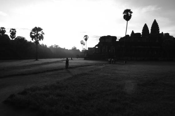 Sunrise_at_angkor_wat