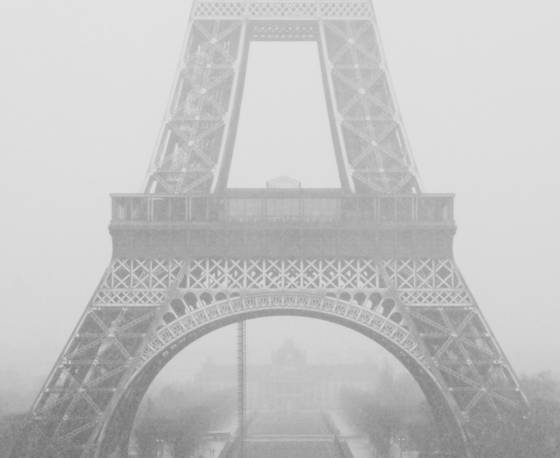 Eiffel_tower_in_winter