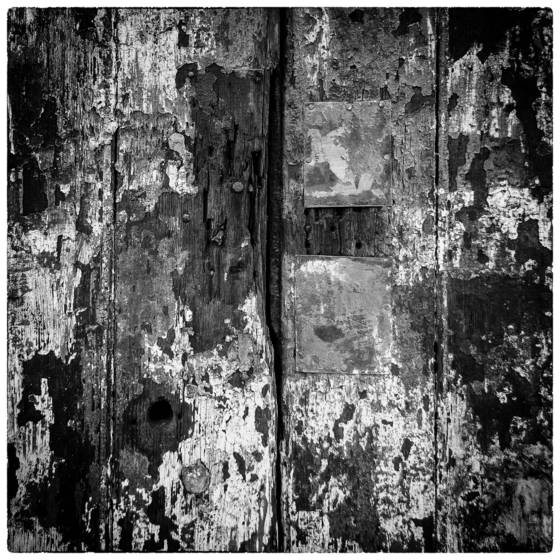 Weathered_door