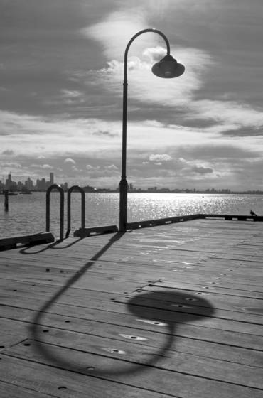 Pier_and_lamp