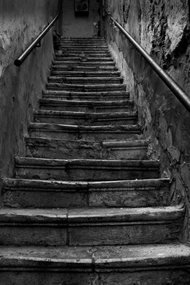 Old_stairway