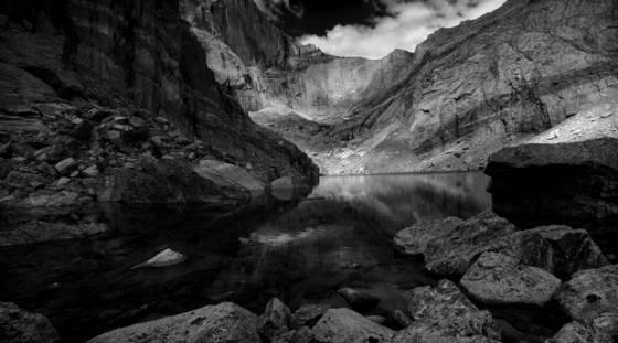 Chasm_lake