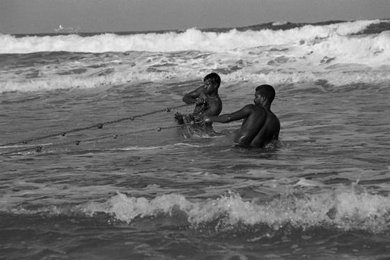 04 net fisherman tamil nadu india 2004