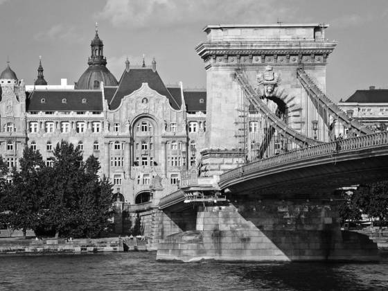 Chain_bridge