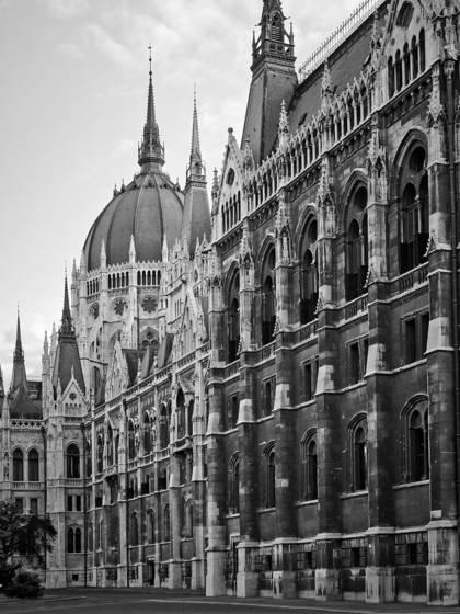 Hungarian_parliament
