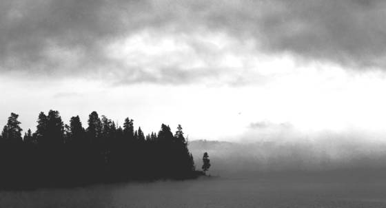 Misty_sunrise___yellowstone_lake2012