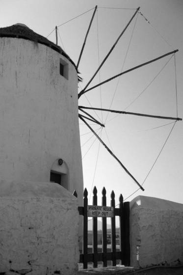 Mykonos_windmills