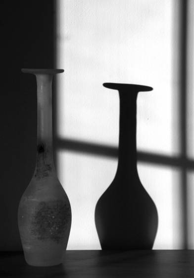 Vase_with_shadow