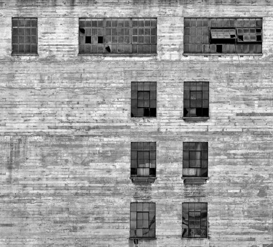 Building_with_windows