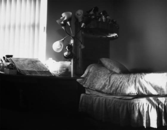 Abandoned_teenage_girl_room