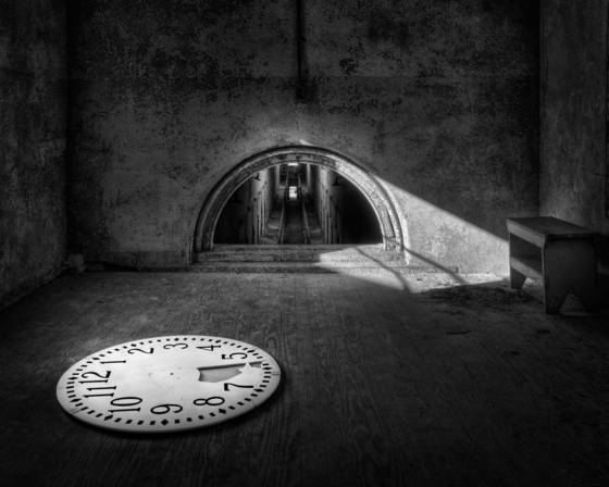 Eastern_state_penitentiary_-_the_clock
