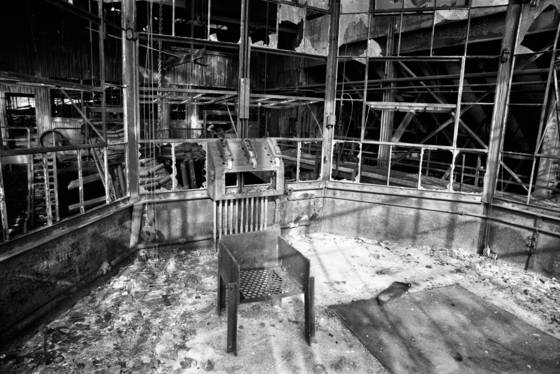 10 electric chair inside abandoned glen alden collery