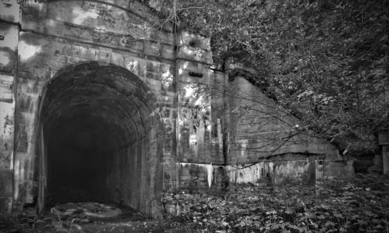 Old_train_tunnel