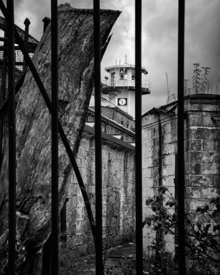 Eastern_state_penitentiary_-_alley