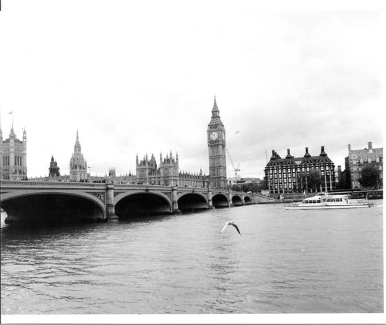 Thames_river_by_big_ben