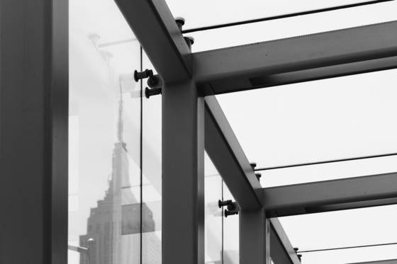 Empire_state_building_and_girders
