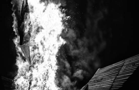 Phoenix_burning_2