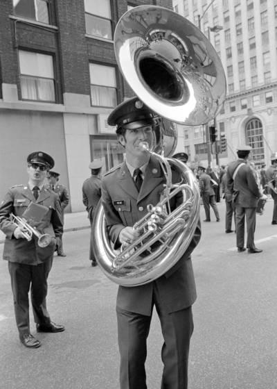 Memorial_day_parade_6