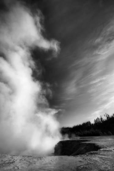 Excelsior_geyser_crater