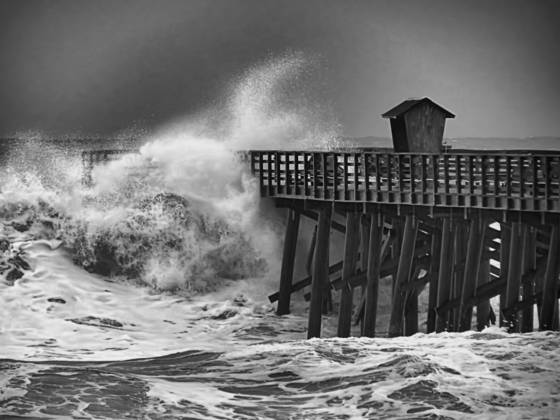 3_hurricane_sandy_wave_c