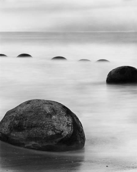 Moeraki_boulders_ii