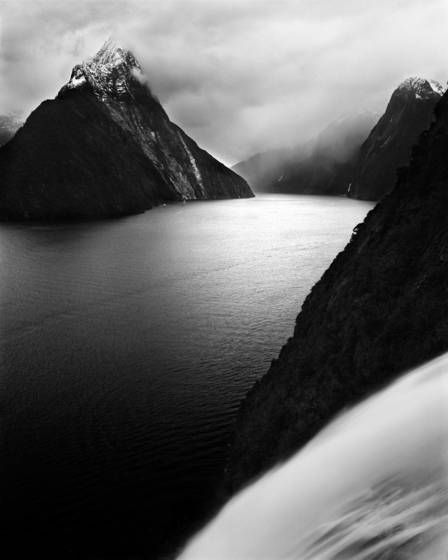 Pio_pio_tahi_milford_sound_new_zealand_2007