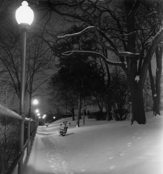 Winter night at fort defiance park