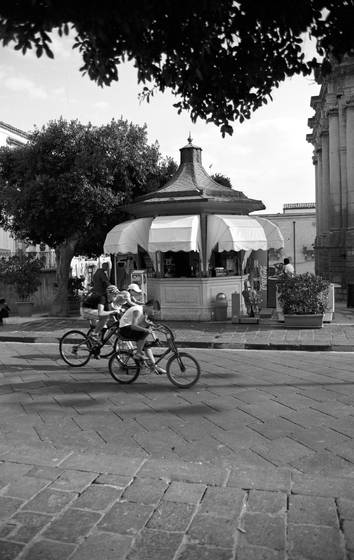On bicycles at noto