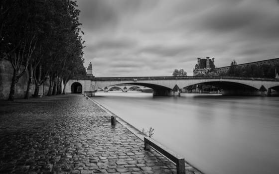 Gentle_rain_seine_river