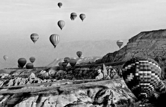 Balloons_over_cappadocia
