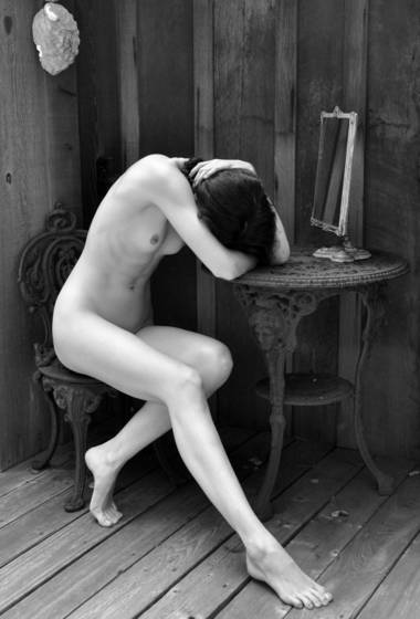 Nude_and_mirror_2