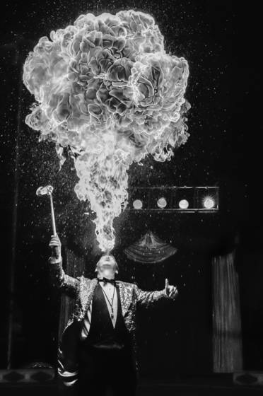 Human_flame_thrower