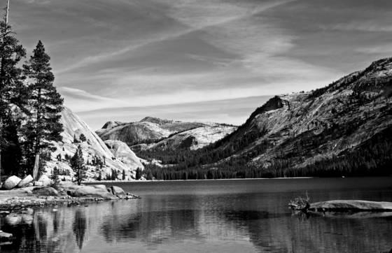 Lake_tenaya