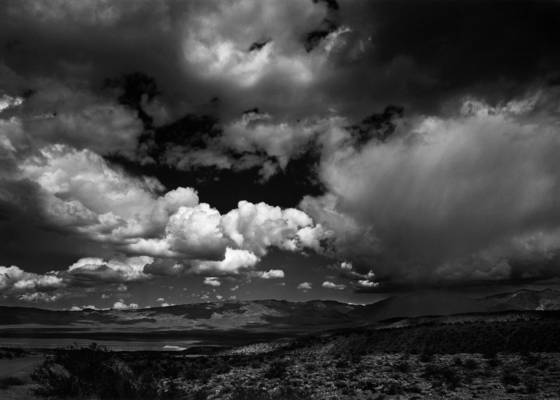 Death_valley_thunderstorm