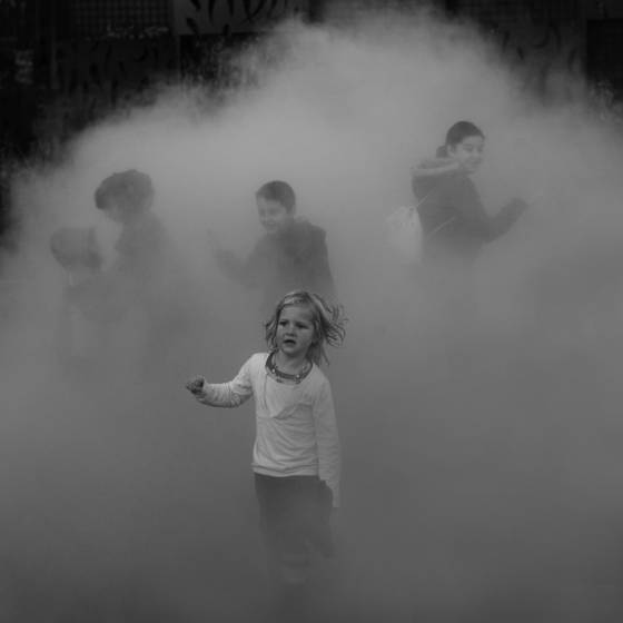 Children_in_the_mist