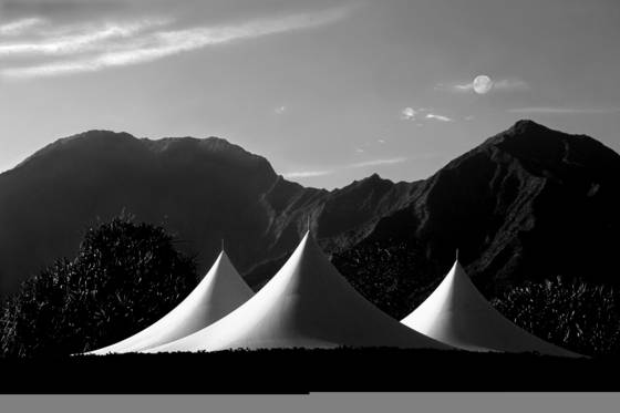 Full_moon_over_wedding_tents
