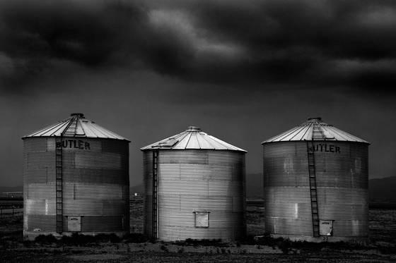 Three_silos