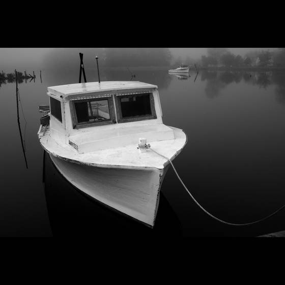White_work_boat_hunting_creek_va