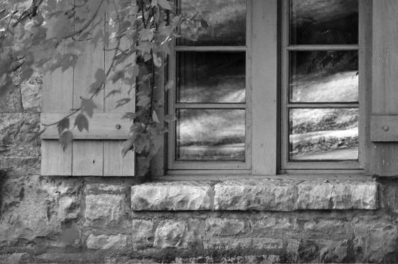 Cottage_window
