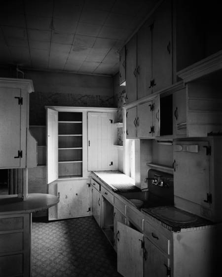 Abandoned_kitchen