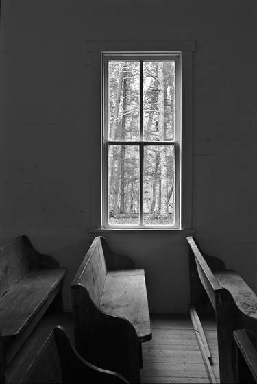 Pews_and_window