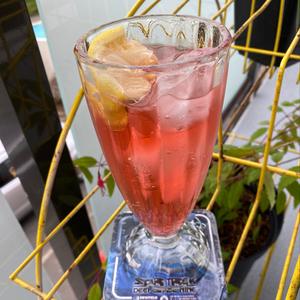 Lemon Cherry Mule Mocktail