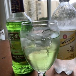 Sour Apple Vodka Tonic