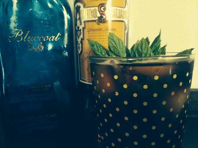 Black Gin & Tonic