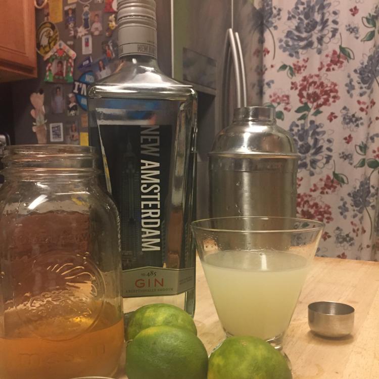 Ginger gin gimlet