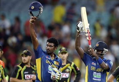 Thisara with two hits over the line wins the game for Sri Lanka