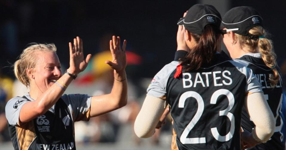 3 run-outs & late collapse cost SL Women the first outing
