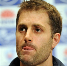 Former Test opener Simon Katich has announced his retirement from first-class cricket in Australia.